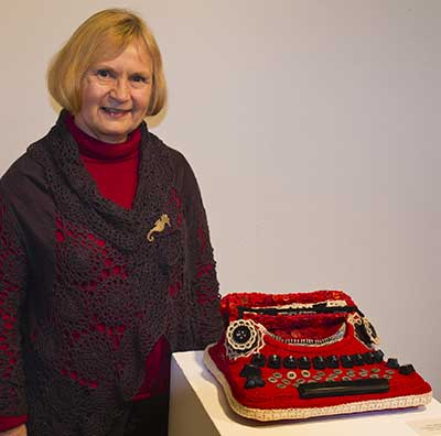 crocheted typewriter by Marie Bergstedt